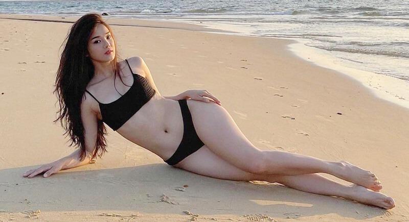 hoang yen chibi bikini 2